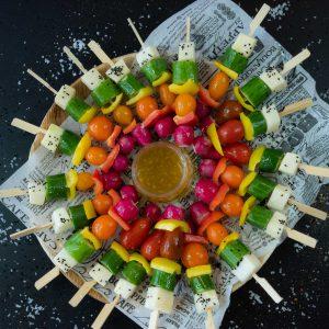 מגש שיפודי ירקות שוק טריים